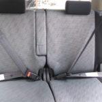 後部座席に座っている場合も必ずシートベルトを着用しよう
