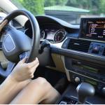 運転中にブレーキとアクセルを間違えないようにする対策!