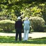 高齢や病気等で免許を自主返納する手順と、持っている車の処分方法